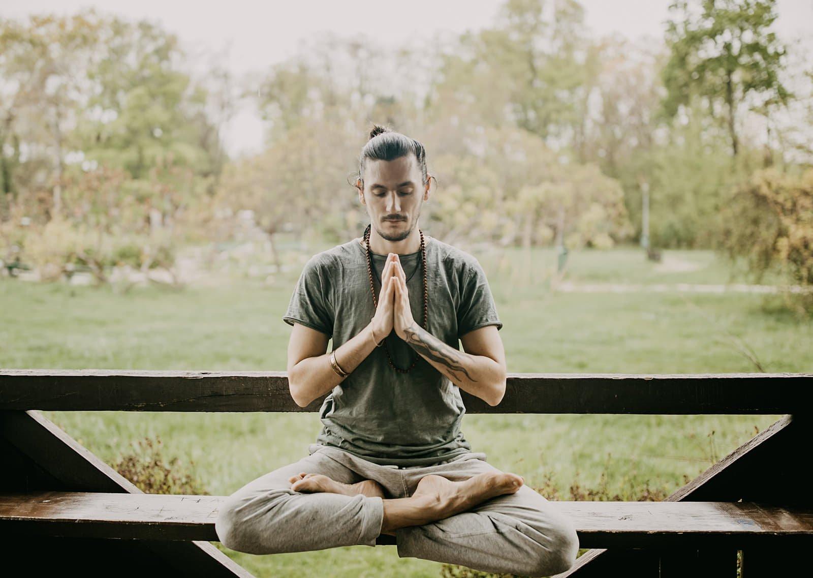 postura meditatie pentru sunete vindecatoare